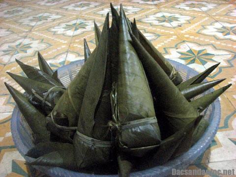 banh coc mo thai nguyen - Những món ăn ngon của người Tày