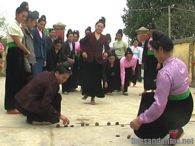 le xen muong thai den - Đằm thắm dân ca Thái Mường Lò