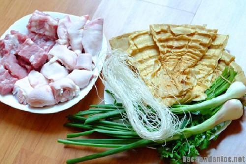 mang luoi lon 3 - Thơm ngon món măng lưỡi lợn hầm giò heo