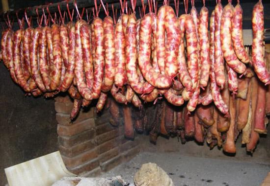 lap xuong hun khoi - Tổng hợp 5 món ăn ngon nổi tiếng của vùng Tây Bắc