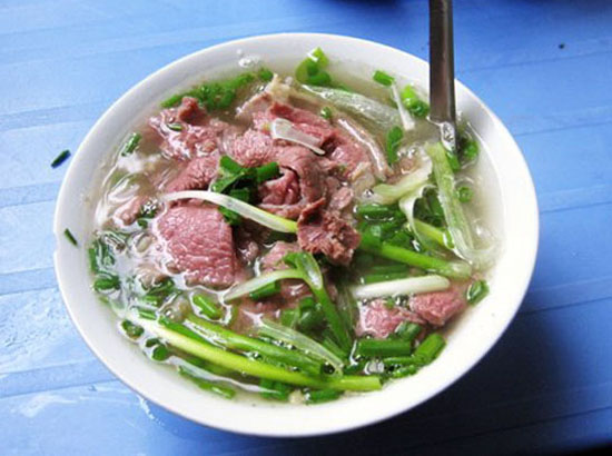 pho ha noi - Top 10 món ăn nổi tiếng không nên bỏ qua khi du lịch Yên Bái