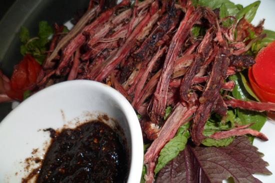 thit trau kho 2 - Những món ăn ngon nổi tiếng ở Điện Biên