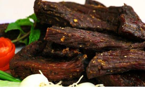 thit trau kho - Món thịt trâu khô gác bếp kiểu Tây Bắc
