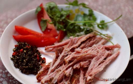 thit lon kho hoang lam 3 - 1kg thịt lợn khô gác bếp