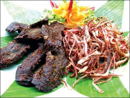 9 mon an dac san noi tieng cua yen bai - Hãi hùng với đặc sản... thịt thối ở Sơn La