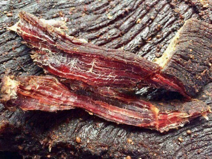 cach thuong thuc thit trau gac bep dung chuan tay bac 4 - Cách thưởng thức thịt trâu gác bếp đúng chuẩn Tây Bắc