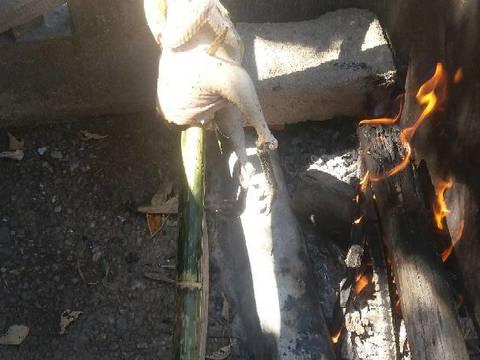 Gà nướng ăn cùng cơm lam bước làm 3 hình