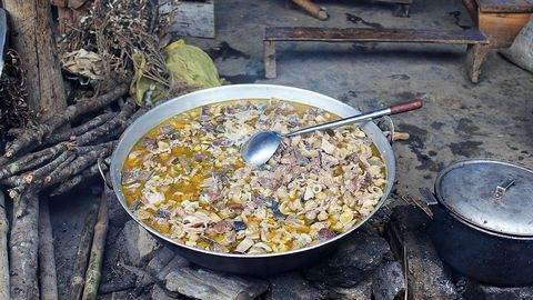 nhung dac san lao cai khien thuc khach gan xa me man - Thắng cố, cá tầm… những đặc sản Lào Cai khiến bạn giật mình