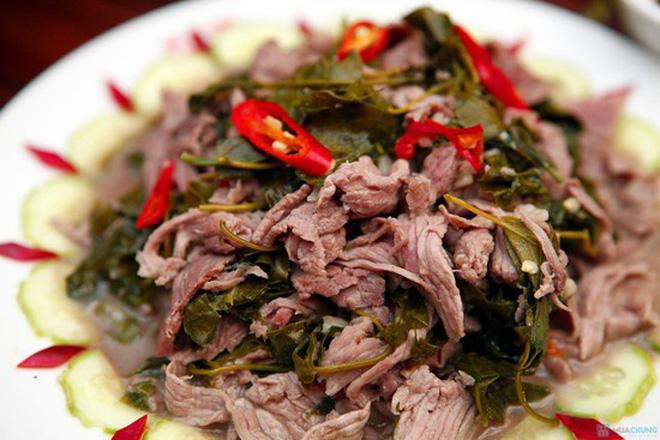 thit trau nau la lom dac san noi tieng ai den hoa binh cung phai thu 3 - Thịt trâu nấu lá lồm - đặc sản nổi tiếng ai đến Hoà Bình cũng phải thử