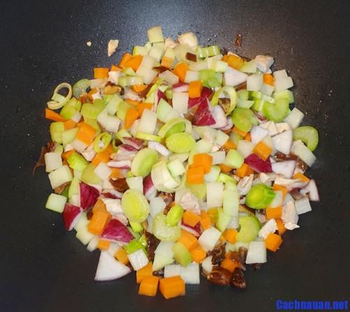 cach nau mon rau cu xao thap cam tuoi gion 2 - Cách nấu món rau củ xào thập cẩm tươi giòn