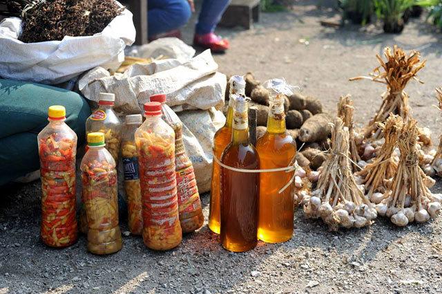 ghe cho trong may thung khe thuong thuc dac san tay bac 3 - Ghé chợ trong mây Thung Khe thưởng thức đặc sản Tây Bắc