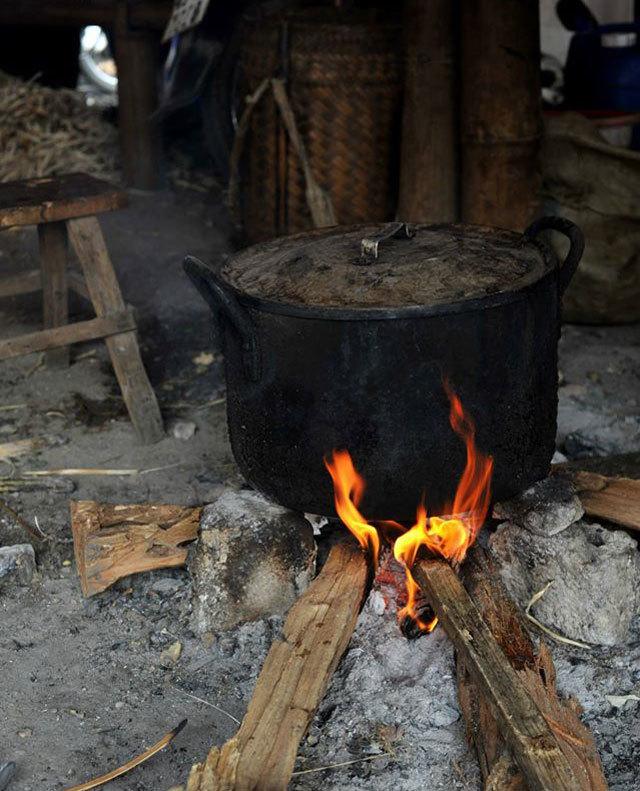 ghe cho trong may thung khe thuong thuc dac san tay bac 4 - Ghé chợ trong mây Thung Khe thưởng thức đặc sản Tây Bắc