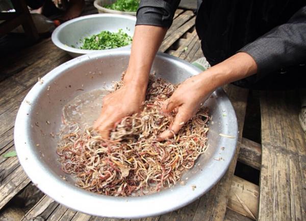 goi ca dai khach quy cua nguoi thai o dien bien 4 - Gỏi cá đãi khách quý của người Thái ở Điện Biên