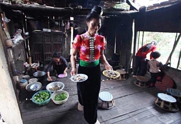 goi ca dai khach quy cua nguoi thai o dien bien 7 - Gỏi cá đãi khách quý của người Thái ở Điện Biên