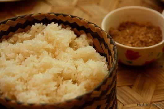 hat doi – huong rung trong mam com nguoi thai 2 - Hạt dổi – hương rừng trong mâm cơm người Thái