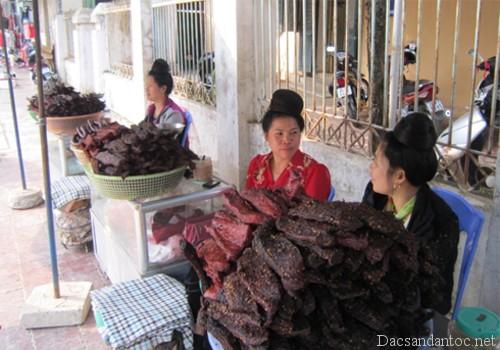 la lam huong vi thit trau kho cua nguoi thai - Thơm lừng ngây ngất với thịt lợn khô độc đáo Tây Bắc