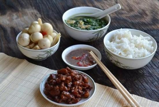 nhung mon an noi tieng khong nen bo qua khi du lich ha nam 2 - Những món ăn nổi tiếng không nên bỏ qua khi du lịch Hà Nam