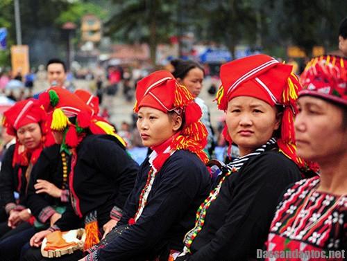 sac mau tay bac hoi tu va toa sang - Tái hiện lễ hội của các dân tộc Việt Nam