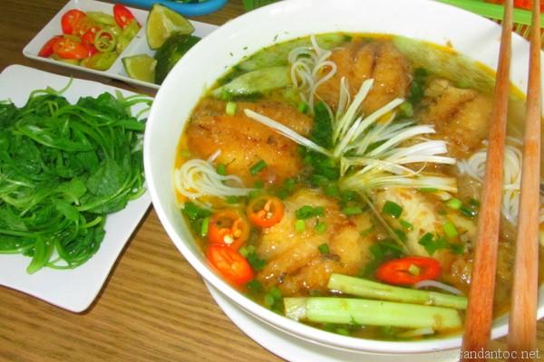 top 10 mon an noi tieng khong nen bo qua khi du lich hai duong 3 - Top 10 món ăn nổi tiếng không nên bỏ qua khi du lịch Hải Dương