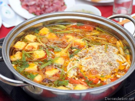 top 10 mon an noi tieng khong nen bo qua khi du lich hai phong 3 - Top 10 món ăn nổi tiếng không nên bỏ qua khi du lịch Hải Phòng