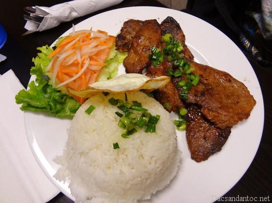 top 10 mon an noi tieng khong nen bo qua khi du lich ho chi minh - Top 10 món ăn nổi tiếng không nên bỏ qua khi du lịch Sóc Trăng