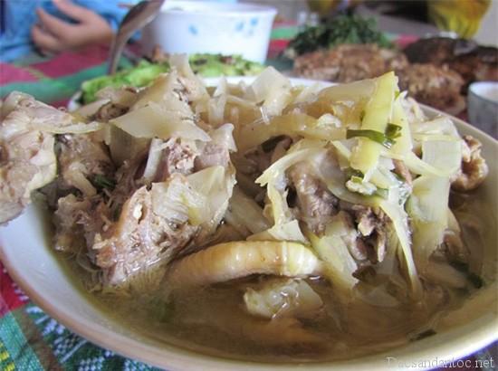 top 10 mon an noi tieng khong nen bo qua khi du lich hoa binh 3 - Top 10 món ăn nổi tiếng không nên bỏ qua khi du lịch Hòa Bình