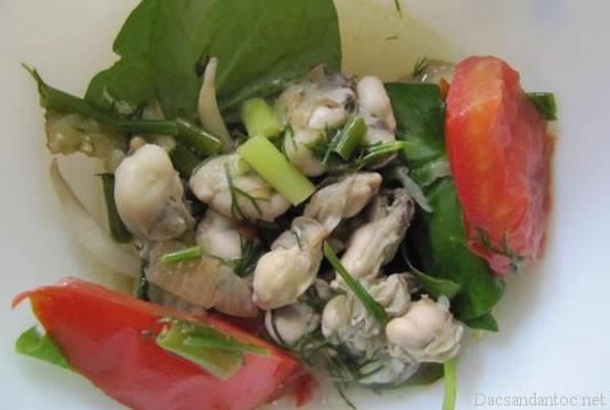 top 9 mon an noi tieng khong nen bo qua khi du lich quang ninh 8 - Top 9 món ăn nổi tiếng không nên bỏ qua khi du lịch Quảng Ninh